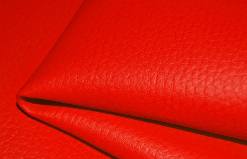 ES-08 czerwony